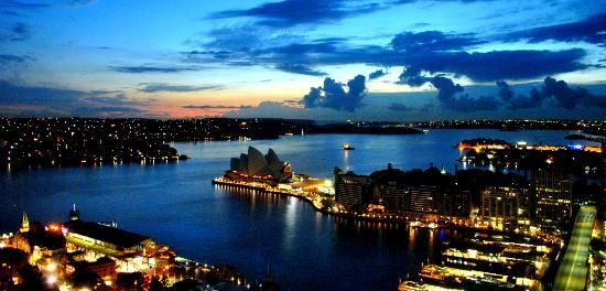 Opera House, Sydney Harbour @ Sunrise #Australia