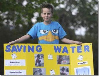 niño de 9 años enseña como ahorrar agua :)