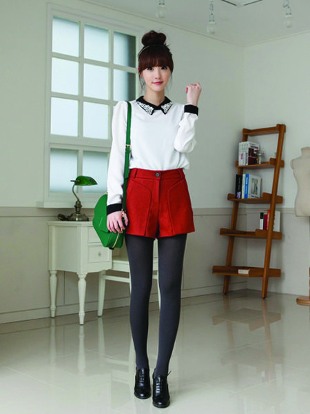 shorty shorts tights a blouse buttoned all the way up a sparkly collar = k-fashion perfection!korean fashion - ulzzang - ulzzang fashion - cute girl - cute outfit - seoul style - asian fashion - korean style - asian style - kstyle k-style - k-fashion - k-fashion