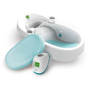 clean water baby bath.. drains out dirty water.. great idea