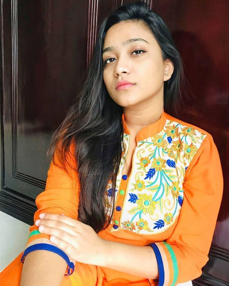 Bangladeshi Hot Actress Pori Moni Sexy Picture Collections ~ Actimg | Actor and Actress Images