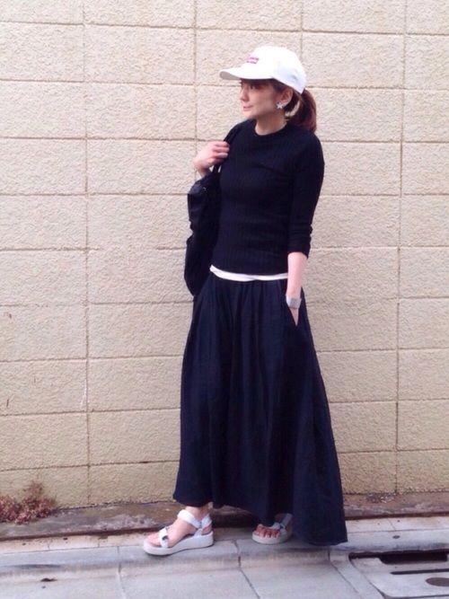 シンプル オレオ ← マキシ丈スカートの重さも、白スポサンを合わせたら軽くなりました
