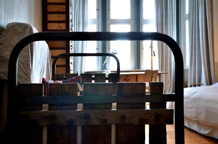 ROOM2 industrial details