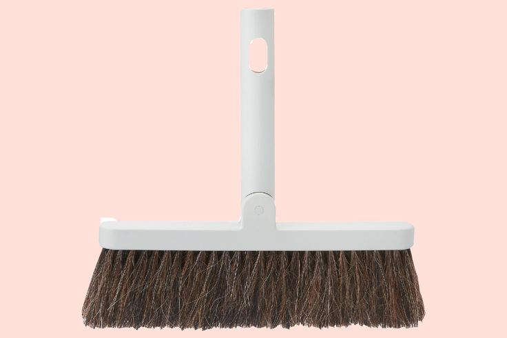 The Best Kitchen Broom Costs Less than $12 — Kitchn Goes Shopping