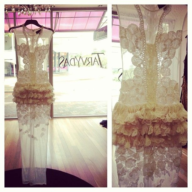 STUNNING LACE COUTURE wedding dress!