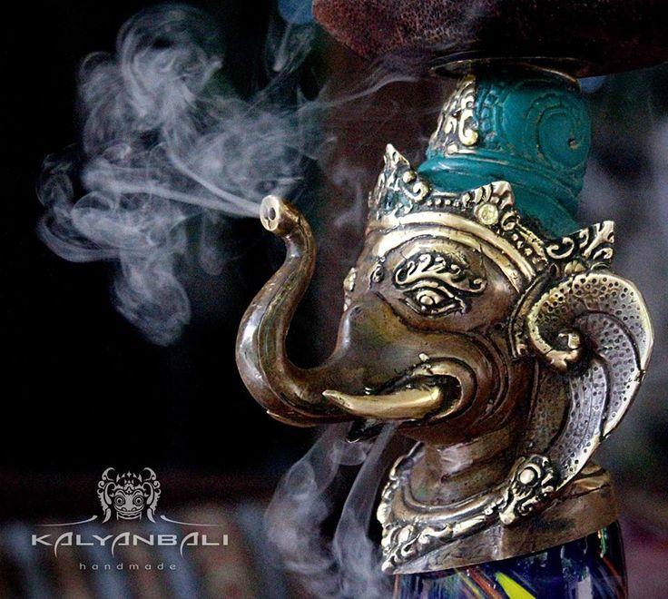Hookah / Shisha Ganesha by Kalyanbali