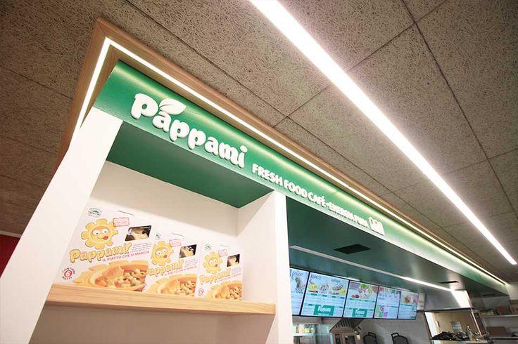 Progetto arredamento architettura e design Pappami Fresh Food Café presso il TOP Center di Trento. Arredamento e Design by RMG Project Studio.