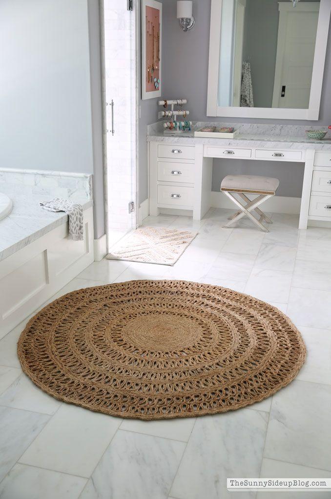 The Round Jute Rug That Looks Good Everywhere The Sunny Side Up Blog Jute Round Rug Round Bathroom Rugs Bathroom Rugs