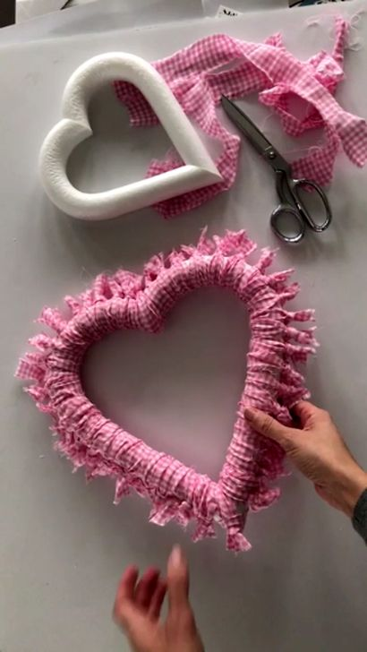 Nice 44 Simple DIY Valentines Day Decor Ideas. More at homystyle.com/…