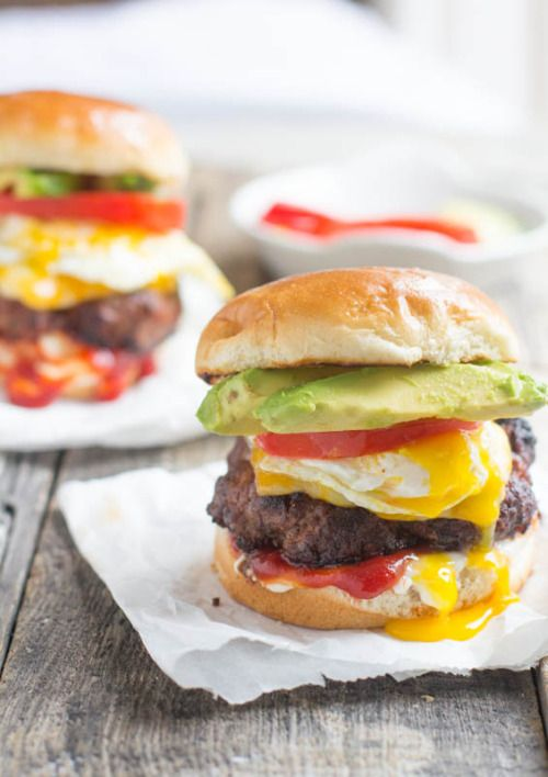 comida-corazon:  brazilian burger with egg