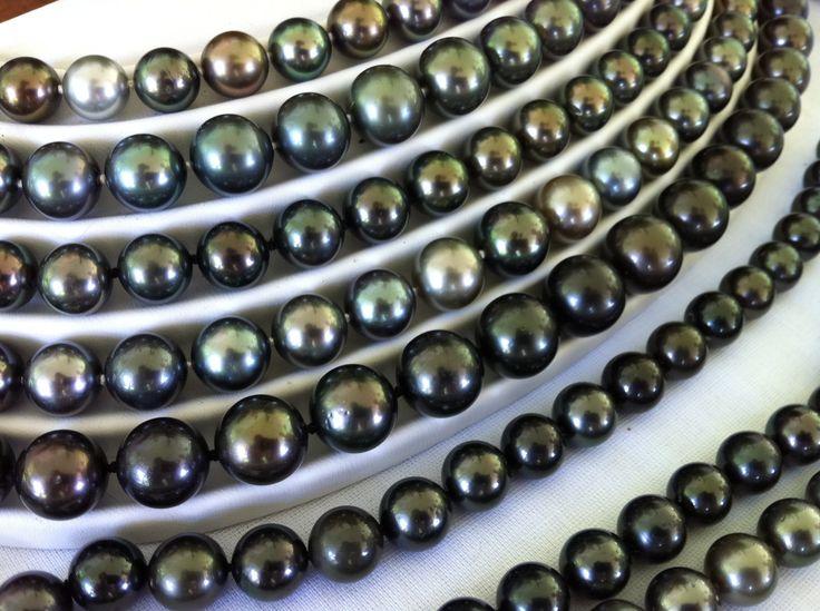 Tahitian black pearls. タヒチアンブラックパール