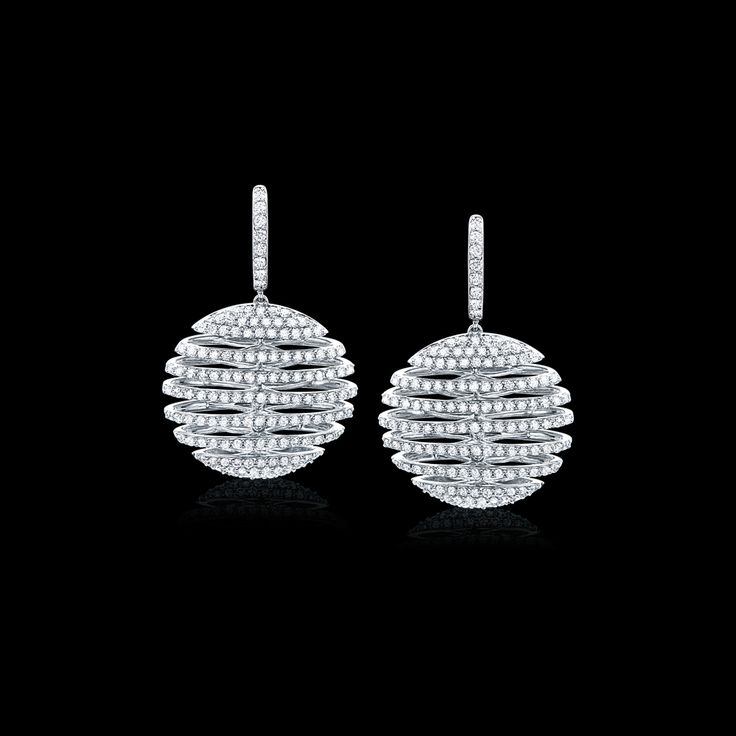 Awards season is officially here. Be 'Red Carpet Ready' with stunning pieces from our exclusive Constellation Collection.  #mazzucchellis #jeweller #jewellery #goldenglobes #redcarpet #fashion #style #diamonds #diamondearrings #bestdressed