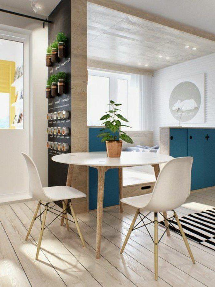 plan studio 20m2, sol en planchers bois clair, se meubler pas cher, salle de séjour chic dans un petit studio