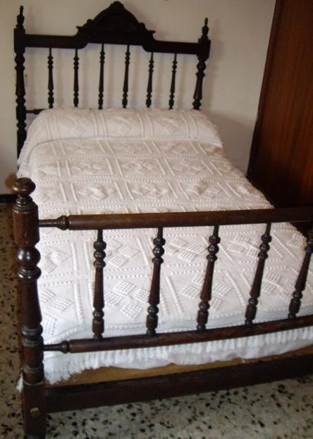 M s de 25 ideas incre bles sobre camas antiguas en - Cama antigua de madera ...