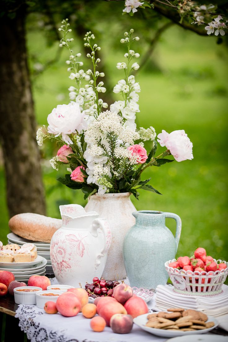 Let them eat cake rustic wedding chic - Garden Chic Inspiration Shoot In The Netherlands