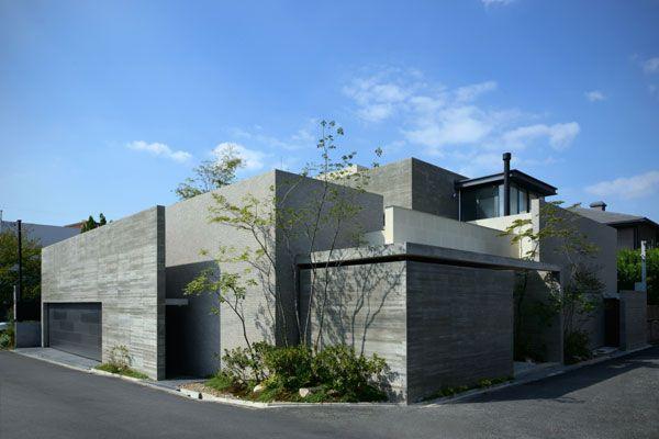 立体的な庭を内包する家|鉄筋コンクリート・RC住宅