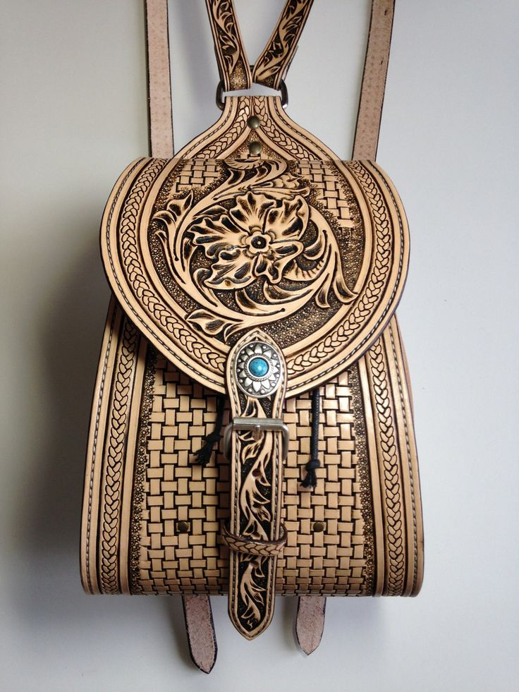 Sac à main style sac à dos en cuir repoussé, motif shéridan sculpté : Sacs à main par lakota-cuir