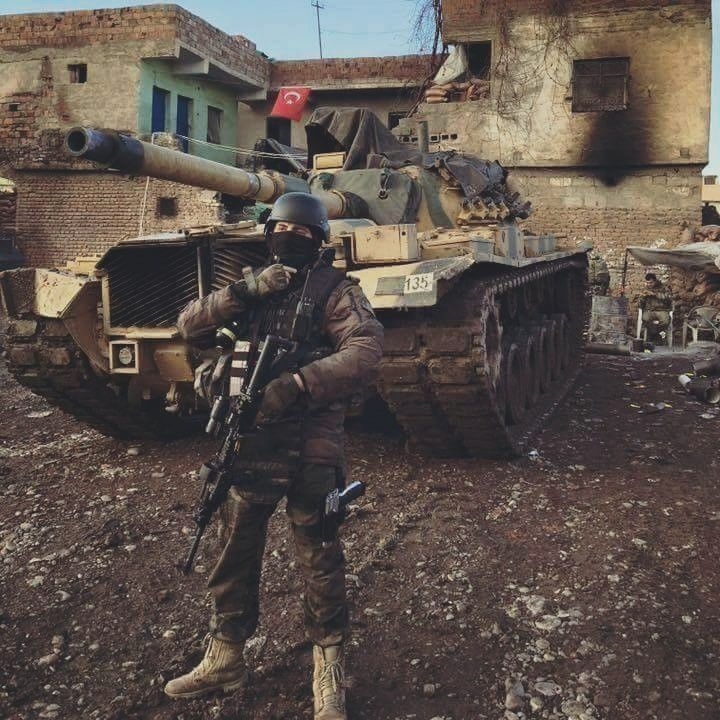 Turkish soldier with m60 patton Hakkari/Yüksekova [720x720]