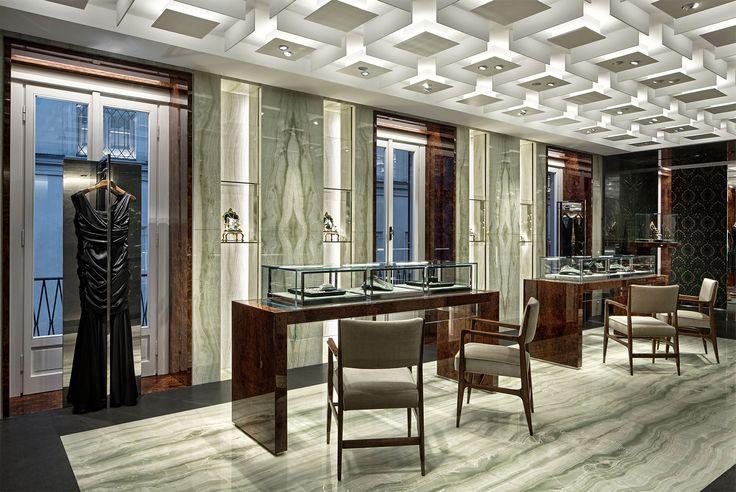Scopri la nuova boutique di DolceGabbana a Milano in Via Montenapoleone sul branded Luxury Lifestyle Magazine.