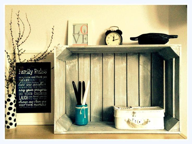 Półka ze skrzyni drewnianej. Handmade by Dwa Guziki