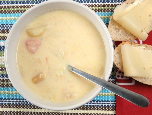 Rotfruktsoppa. Enkel, snabb och god soppa på rotfrukter. Glöm påssopporna - gör hemgjord soppa istället - egen soppa blir både nyttig och billig.