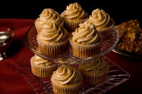 Spiced Apple Cupcakes: Desserts, Maple Buttercream, Apple Cupcakes, Sweet, Cupcake Recipes, Spices Apples, Apples Cupcake, Maple Frostings, Apples Cakes