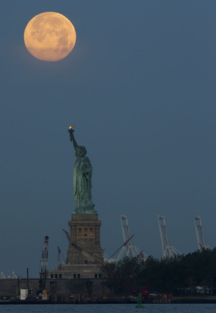 Full Moon Over New York Photograph by Lee Dos Santos