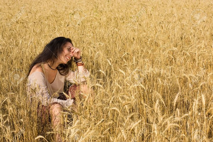 girl in field wheat - Google-søk