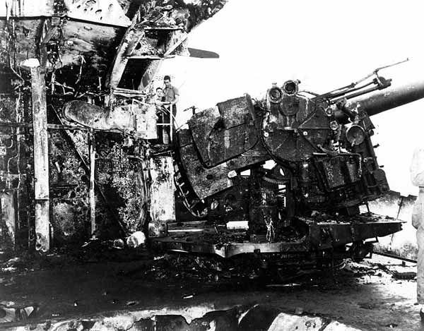 Damaged 127mm gun on USS Enterprise (CV-6), circa in August 1942 - Battle of the Eastern Solomons - Wikipedia