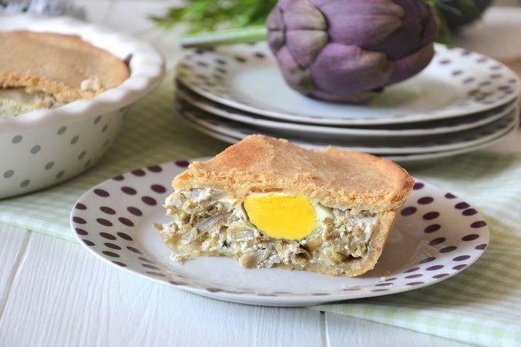 La torta Pasqualina ai carciofi è una torta rustica saporita e molto facile da realizzare. E' la variante della famosa torta Pasqualina, tipica della regione Liguria.