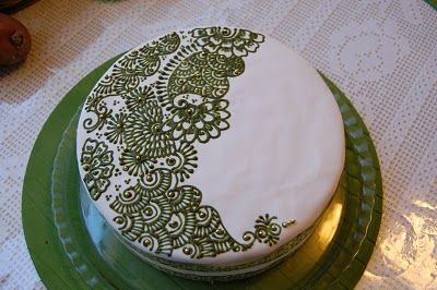 mehndi decorated cake <3 i will SO be doing this for my momma's birthday!