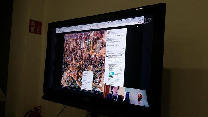 En directo con @Mario carvajal en la charla de #Mk360 enseñándonos los miles de comentarios que obtuvo su foto de las vistas de Kinkong en 360 grados Muchas gracias Mario  #marketing360 #Mk360