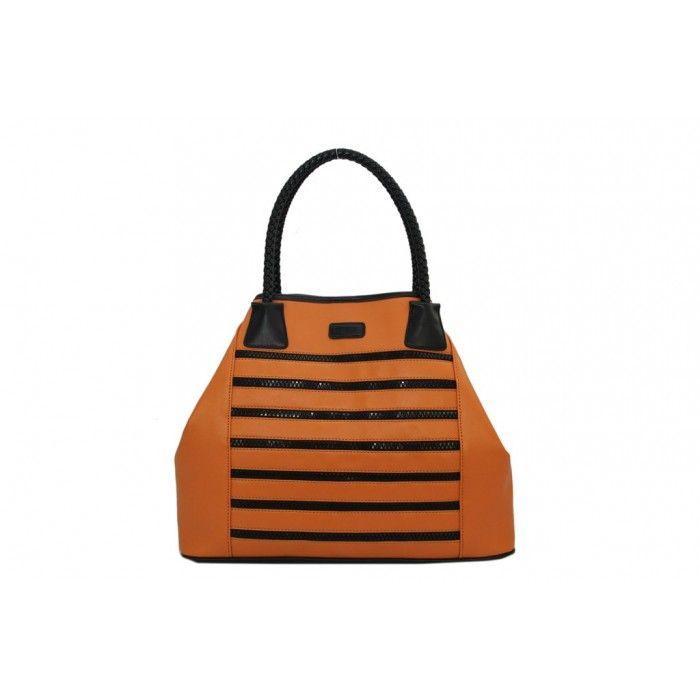 Polecamy EDITTĘ: torebkę na ramię w stylu worek, w kolorystyce pomarańczowo-czarnej: http://www.perfectto.eu/editta-torebka-na-ramie-w-stylu-worek :) Dostępny jest również wariant biało-czarny torebki. #torebka, #torebkanaramie