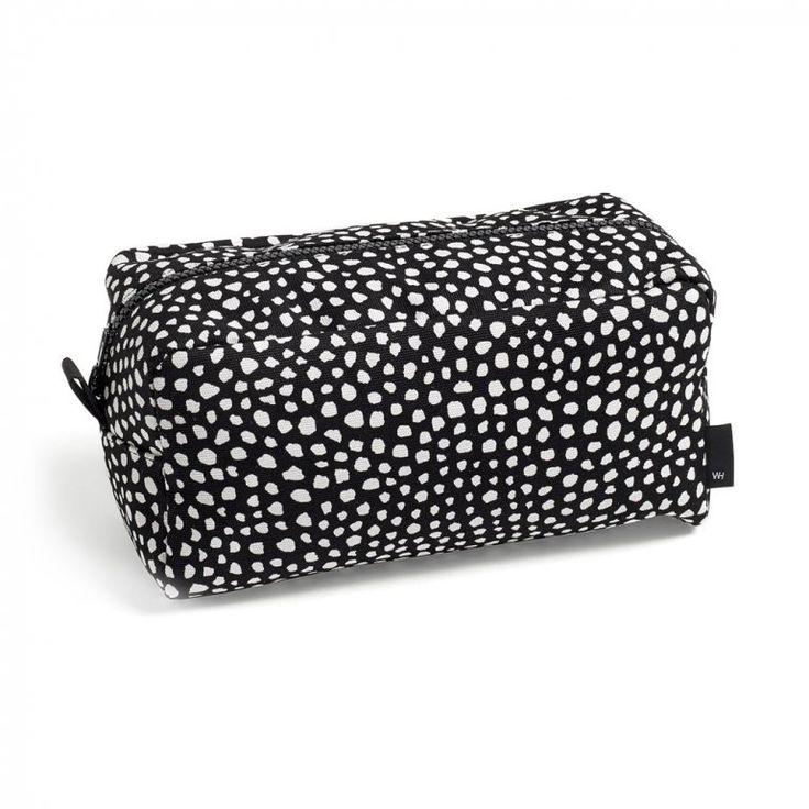 Dot Wash Bag Black Large Necessär   Wrong for HAY   Länna Möbler   Handla online