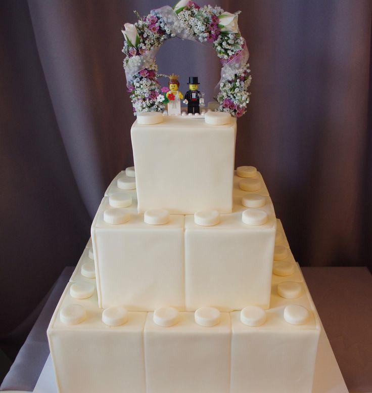 (1160) LEGO Theme Wedding Cake