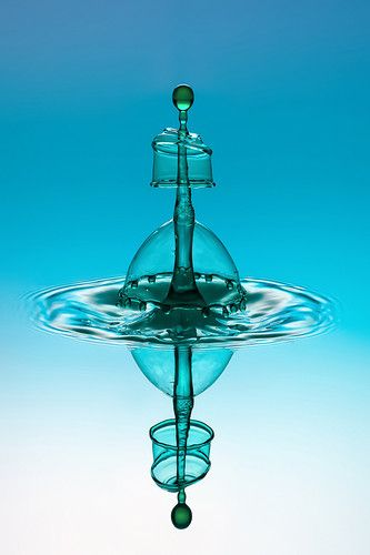 High-Speed Photography Turns Water Droplets Into Liquid Sculptures | Co.Design: business + innovation + design