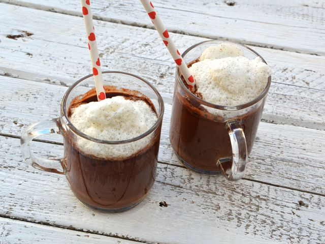 Hogy az esős őszi napok is jól induljanak, szükségünk lehet egy pohár melengető italra. Ha ez ráadásként még cukormentes is, a lelkiismeretünkkel sem kell egész nap …