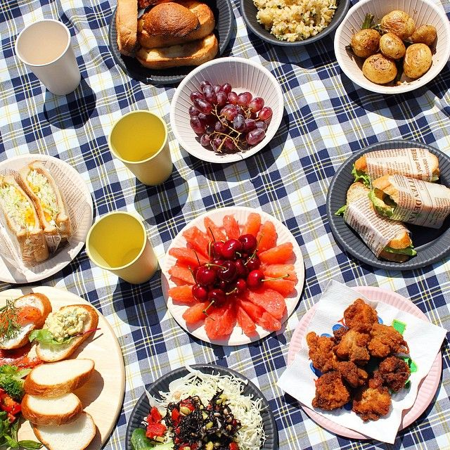 It was a beautiful day!!! Our office is near the rose garden. Why not we do a picnic for lunch! TM.series bowl,plate,cup