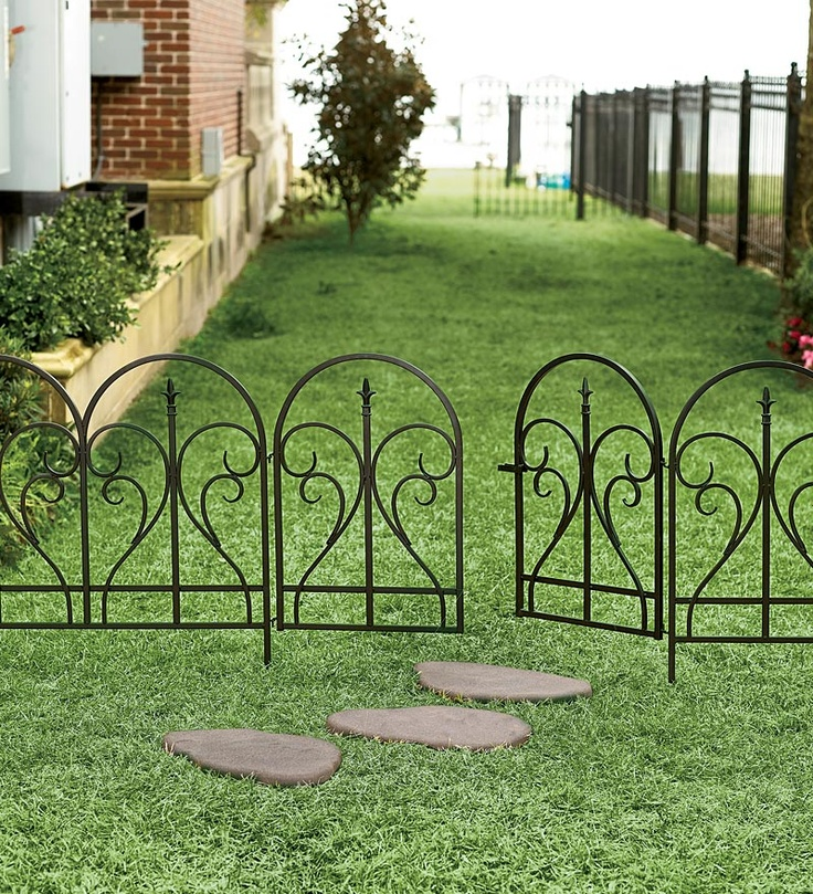 8 Backyard Ideas To Delight Your Dog: This Is What We Need! Movable Garden Fence To Keep Dogs