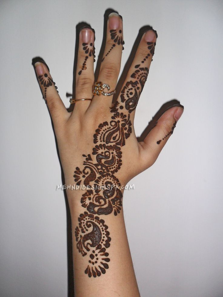 54 best mehndi designs images on pinterest hennas artworks and beauty tips. Black Bedroom Furniture Sets. Home Design Ideas