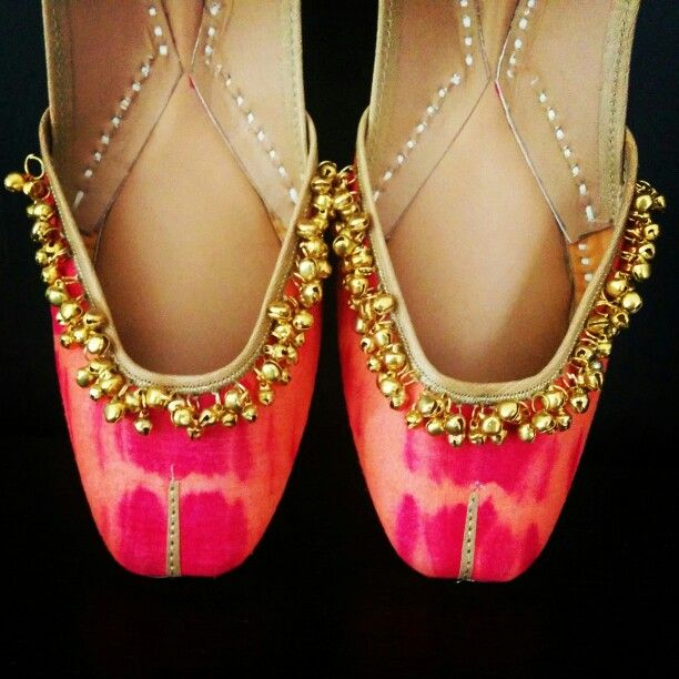 The beautiful combination of hot pink and orange..made even more festive with the gold ghungroos.. Ideal for the indian bride.. The bridal footwear collection from the house of Vian