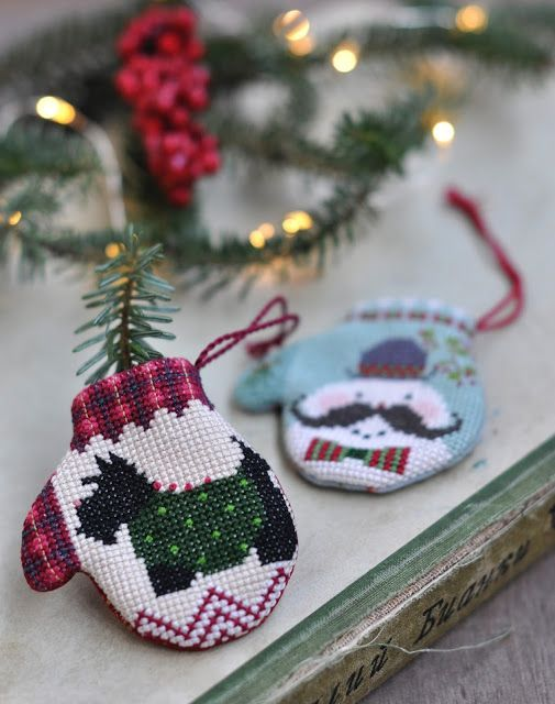 Варежки The Cricket Collection / Cross Stitched Mittens