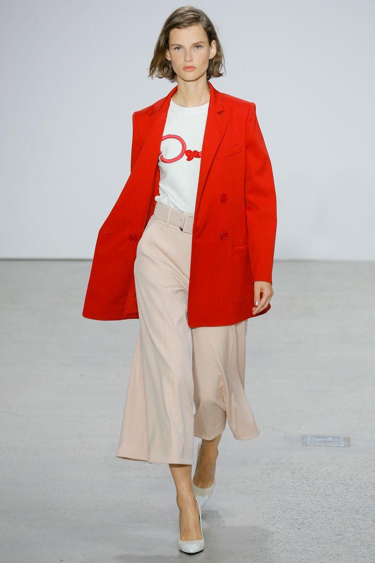 Oscar de la Renta Spring 2018 Ready-to-Wear Collection Photos - Vogue