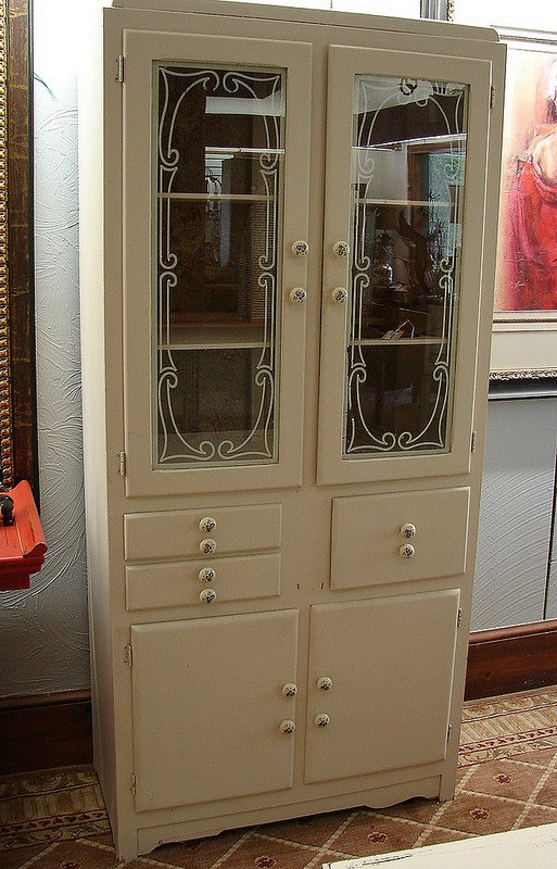 Vintage 1940u0027s Hollywood Retro Dining China Cabinet Cupboard   I Have A New  Obbession With Vintage