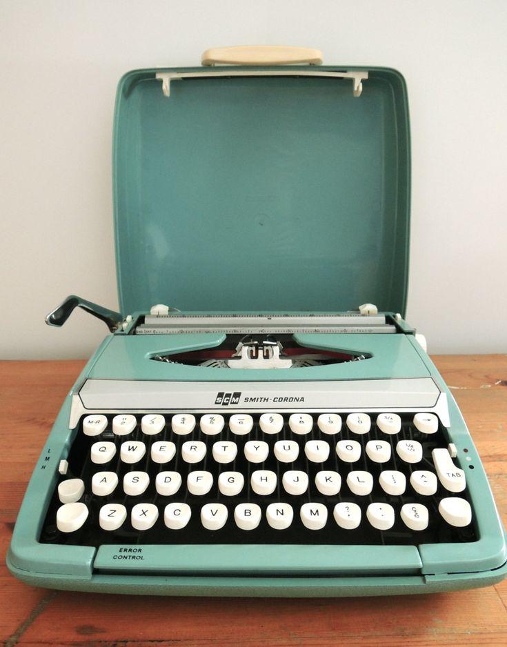 Smith Corona Corsair Deluxe Typewriter in Teal #Etsy #JonathanAdler #GetChicSweepstakes