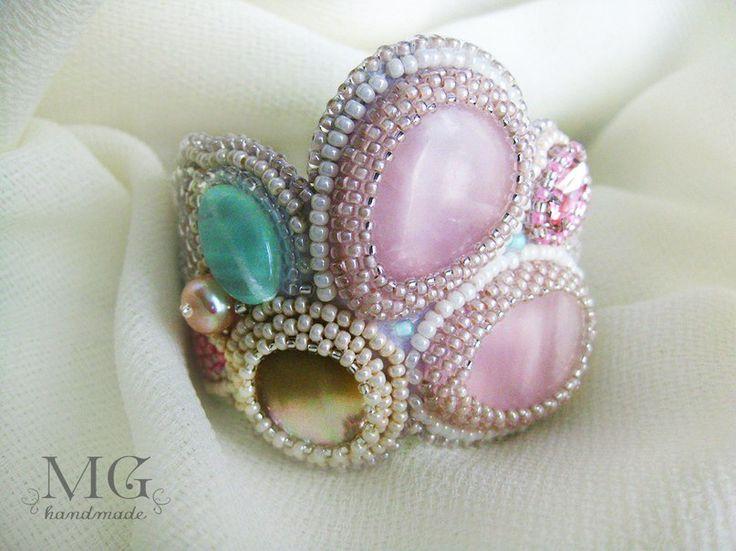 """Браслет""""в саду..."""" Розовый кварц,перламутр,жемчуг,нат.кожа.http://vk.com/mghandmade"""