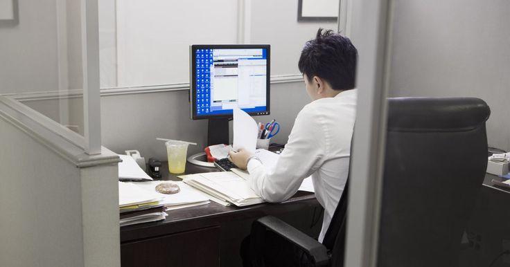 Cómo pasar variables de datos dinámicos en SSIS. Una variable es un nombre asignados a la información almacenada en la memoria de una computadora y que un programa utiliza para completar una tarea. SSIS (Servicios de Integración de SQL Server, SQL Server Integration Services) permite usar variables y pasarlas a otros elementos fuera de las funciones de SSIS. La función en SSIS que permite esto ...