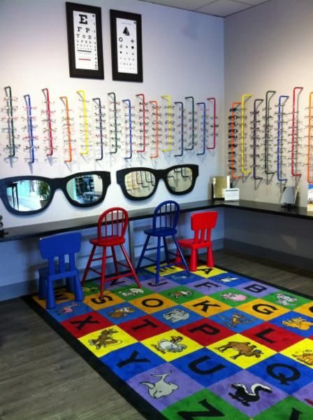 Roberts And Brown Opticians - Photo