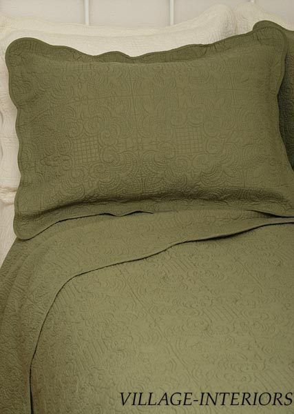 HOTEL SOLID SAGE GREEN MATELASSE OVERSIZE KING QUILT COVERLET / 100% COTTON