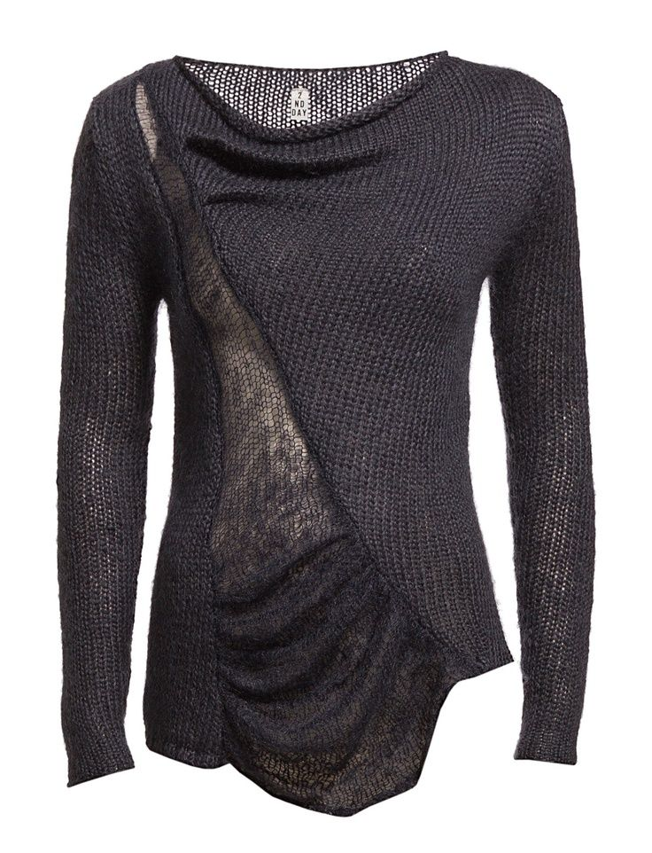 Black knitted sweater #style